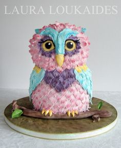 EDITOR'S CHOICE (08/19/2014) Orchid the Owl by Laura Loukaides View details here: http://cakesdecor.com/cakes/151949-orchid-the-owl