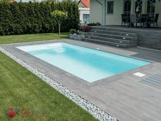 Mirage Sundeck Pavers act as a gorgeous porcelain adaptation of classic wooden f. Mirage Sundeck Pavers act as a gorgeous porcelain adaptation of classic wooden flooring and are available in three shades. Small Backyard Pools, Backyard Pool Designs, Small Pools, Swimming Pools Backyard, Small Patio, Modern Landscaping, Backyard Landscaping, Kleiner Pool Design, Moderne Pools