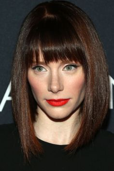 Bryce Dallas Howard Can you do orangey red lips with rosy cheeks AND cat eye liner?
