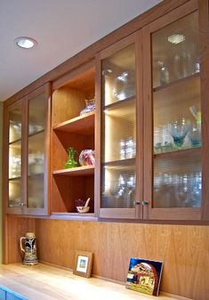 Cabinet refacing with Bendheim's European Clear Blocks cabinet glass