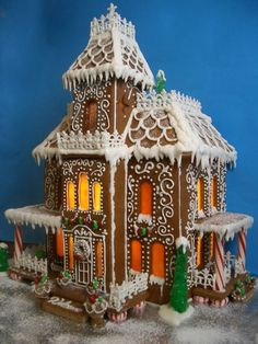 """""""Sarpieri Gingerbread House"""" by Anna S. (Standout Execution) I love Gingerbread Houses.and this is a beautiful one!I'm a bit of a traditionalist. Gingerbread House Template, Gingerbread House Designs, Gingerbread Village, Christmas Gingerbread House, Noel Christmas, Gingerbread Man, Christmas Treats, Gingerbread Cookies, Christmas Cookies"""