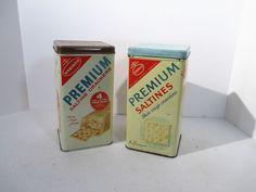 Cracker Tins Saltines Nabisco Vintage Set of 2 Spanish Blue Brown Lid Advertisin #NabiscoSaltines