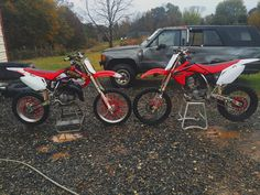 It's obvious. 4 stroke which one do u like better?#honda#crf#150r#motocross#like#supercross#muddin#insta#suzuki#ktm##kawasaki#renthal#protaper#easton#twinair#senge#graphics#yoshimura#fmf#amsoil#prowheel#moose#hobby#fox#thor#onetwo#100%#scott#brushymountainmotorsports# by calebeller45