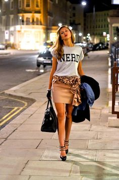 i love the idea of putting a tee with a girly outfitt.