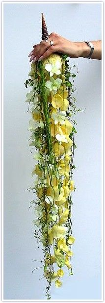 Yellow cascading bouquet