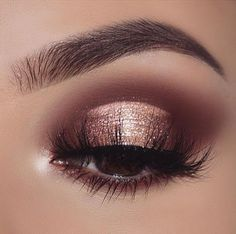 mauve brown eyeshadow golden eyeshadow If your outfit is light purple try light pink eyeshadow makeup for a day wedding; if your outfit is orange try matte nude eyeshadow makeup Pretty Eye Makeup, Gold Eye Makeup, Cute Makeup, Gorgeous Makeup, Eyeshadow Makeup, Eyeshadow Palette, Pink Eyeshadow, Beautiful Gorgeous, Makeup Style