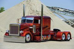 Custom Peterbilt  Show Truck
