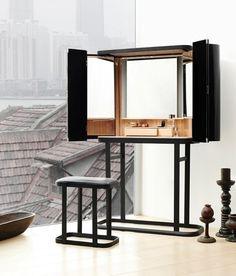 black make-up table