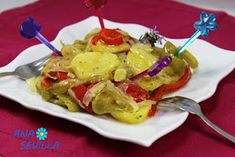 Patatas a lo pobre olla GM Ana Sevilla Olla Gm G, Potato Salad, Tacos, Mexican, Ethnic Recipes, Food, Canary Islands, Model, Recipes With Vegetables