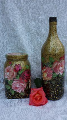 Conjunto de garrafa e vidro decorados