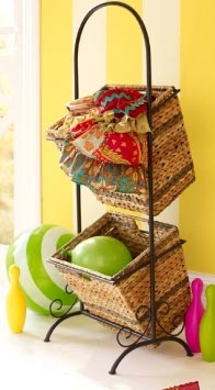 Adorable baskets for the counter... hmm maybe my next purchase?