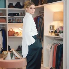 @OliviaPalermo has been busy Christmas shopping for her friends. Question is can she bear to part with her gifts? #Justified