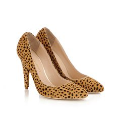 Zuri stiletto Cheetah printed haircalf -  Classic stiletto pump in baby cheetah printed haircalf.  105mm covered heel and leather sole. OOOOH BOY
