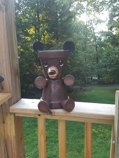 Brown bear - New Ideas Clay Flower Pots, Flower Pot Crafts, Vase Crafts, Clay Pot Crafts, Brick Crafts, Wood Crafts, Diy And Crafts, Painted Pavers, Painted Clay Pots