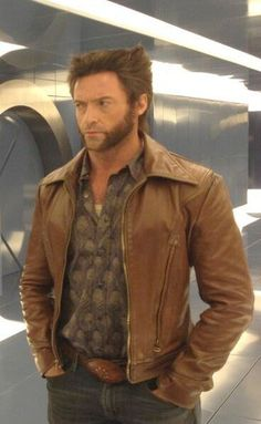 Give yourself the vicious mutant origins wolverine look this winter by wearing the jacket which was worn by Hugh Jackman in the film X Men! Hugh Jackman, Hugh Michael Jackman, Wolverine Movie, Logan Wolverine, Wolverine Costume, Wolverine Hair, Logan Xmen, X Men Film, Marvel E Dc