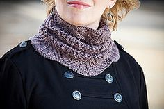 Ravelry: Eleanor Cowl pattern by Audrey Knight