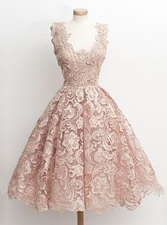 Buy 1950s Vintage Prom Dress -A-line Scoop Knee-length Sleeveless with Lace Vintage Prom Dresses under US$ 128.99 only in SimpleDress.