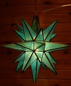 Lighted Moravian Stars have been a long time favorite. Combine this with clear glass stars for a twist. Star Lanterns, Candle Lanterns, Paper Lanterns, Mosaic Glass, Stained Glass, Glass Art, Clear Glass, Moravian Star Light, Glass Candy