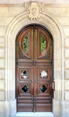 House entrance door entryway Ideas for 2019 Door Entryway, Entrance Doors, Doorway, Front Doors, House Entrance, Cool Doors, Unique Doors, Door Knockers, Door Knobs