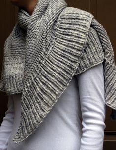 c25ca6b90aa1 Renee Knits Too  FO ~ Mara Shawl Echarpe Tricot, Tricot Vêtement, Tuto  Tricot