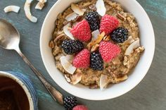 You only need five ingredients to make this Chai Tea Oatmeal.