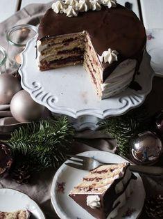 Leckere Spekulatius Torte mit gerinn- und somit frustrationssicherer Buttercreme. Ideal für ein Weihnachten ohne viel Stress. Unbedingt probieren!