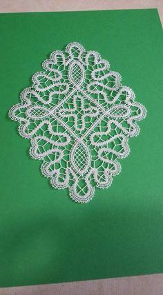 Bobbin Lace Patterns, Diamond, Jewelry, Lace, Centerpieces, Needlepoint, Bobbin Lace, Jewlery, Jewerly