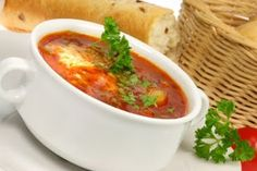 Detoks için Çorba   Dr Ender Saraç zayıflamak isteyenlere detoks çorbası  ile destekliyor. Bu Çorba toksinlerin atılmasını sağlarken kilo ve...