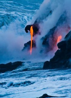 Lava entering water, Hawaii sob7ana Allah