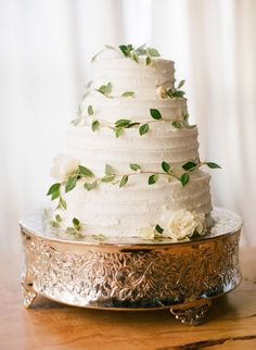 Garden meets rustic. Photography: Bryce Covey Photography - www.brycecoveyphotography.com, Wedding Cake: The Cocoa Cakery - thecocoacakery.com  View entire slideshow: 15 Wedding Cakes We Adore on http://www.stylemepretty.com/collection/500/
