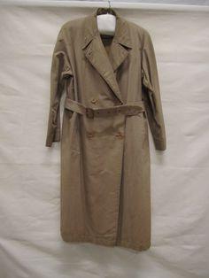 Burberry, 1946, wol/katoen/kunststof, Gemeentemuseum Den Haag. #modemuze #gemeentemuseum #trenchcoat