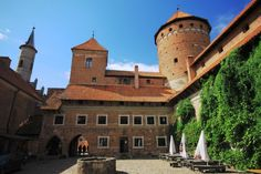 Castle in Reszel, Poland jigsaw puzzle in Castles puzzles on TheJigsawPuzzles.com