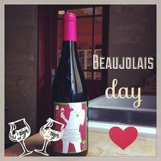 On fête aujourd'hui le Beaujolais nouveau avec le vin de @VickyWine