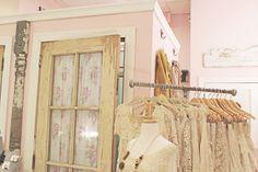 Boutique Decor | stellaire: pretty boutique/ DOOR
