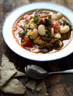 Love anything with white beans and kale...Meatless Monday with Martha Stewart - Garlicky Kale and White Bean Stew. Use coconut oil for Phase 3 of the #FastMetabolismDiet or leave out the oil for Phase 1.