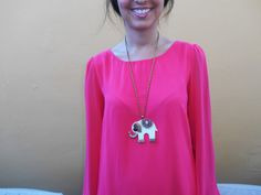 http://unachicasual.blogspot.com.es/2014/06/chill-out-zone.html  fashionblogger, girl, inspiration, dress, vestido, rosa, pink, sandalias, cangrejeras, sandals, chill out, collar, necklace, elephant, elefante