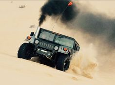 Classic Hummer SW on sand Hummer Truck, Hummer H1, Off Roaders, Black Jeep, American Motors, Four Wheel Drive, Car Wheels, Big Trucks, Cars And Motorcycles