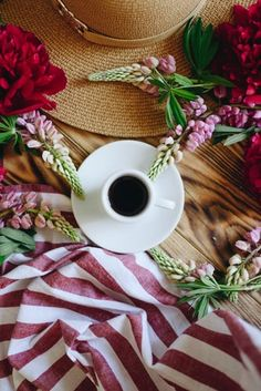 Flat Lay Photography, Coffee Photography, Coffee Art, Coffee Cups, Break Up Spells, Black Magic Love Spells, Coffee Health Benefits, Image Gifts, Spell Caster