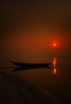 a lonely boat by R Rahman on 500px )