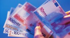 Waste company staff return dumped cash