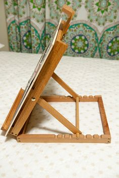 DIY easel with magnetic board to swap out layouts
