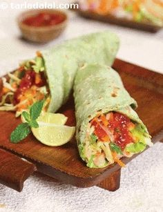 Spinach Tahini Wrap ( Wraps and Rolls) recipe Wrap Recipes, Veg Recipes, Delicious Vegan Recipes, Light Recipes, Indian Food Recipes, Vegetarian Recipes, Cooking Recipes, Snacks Recipes, Easy Snacks