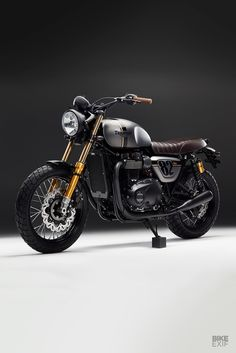 Street Sleeper: Bunker customizes the Street Twin - Triumph cafe racers, bobbers and scramblers - Motorrad Triumph Cafe Racer, Triumph Scrambler, Cafe Racer Bikes, Cafe Racer Motorcycle, Triumph Motorcycles, Triumph Bonneville Custom, Cafe Racers, Custom Cycles, Custom Bikes