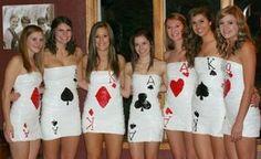 Spielkarten-Motiv in gemeinsamer Faschingsbekleidung