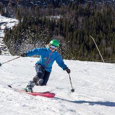 Perfect telemark turn! #norway #telemark #telemarkskiing #skiing #freeheelskiing #winter #snow
