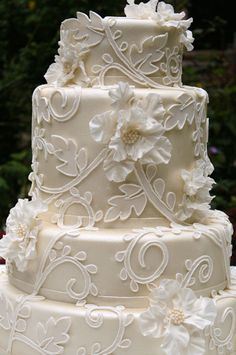 Scroll Work Wedding Cake