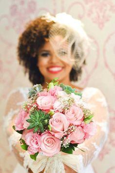 O Blog da Noiva Negra: Making Of: Noiva Ana Cleide Wedding Poses, Wedding Bride, Floral Wedding, Wedding Colors, Wedding Flowers, Dream Wedding, Wedding Day, Wedding Dresses, Kinky Curly Hair