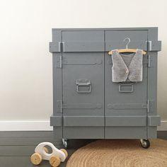 Houten commode industrieel grijs- stoere commode babykamer - Industriële kast - Huis & Grietje