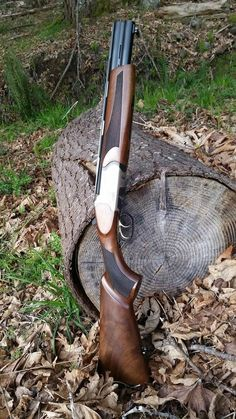 Ricol Over/Under shotgun. I would love this even more if it had a pistol grip instead of the full stock. Survival Weapons, Weapons Guns, Guns And Ammo, Survival Gear, Tactical Shotgun, Mossberg Shotgun, Firearms, Shotguns, Revolvers