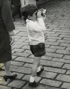 From the London, England trip, May, 1965.  Cute with the binoculars.